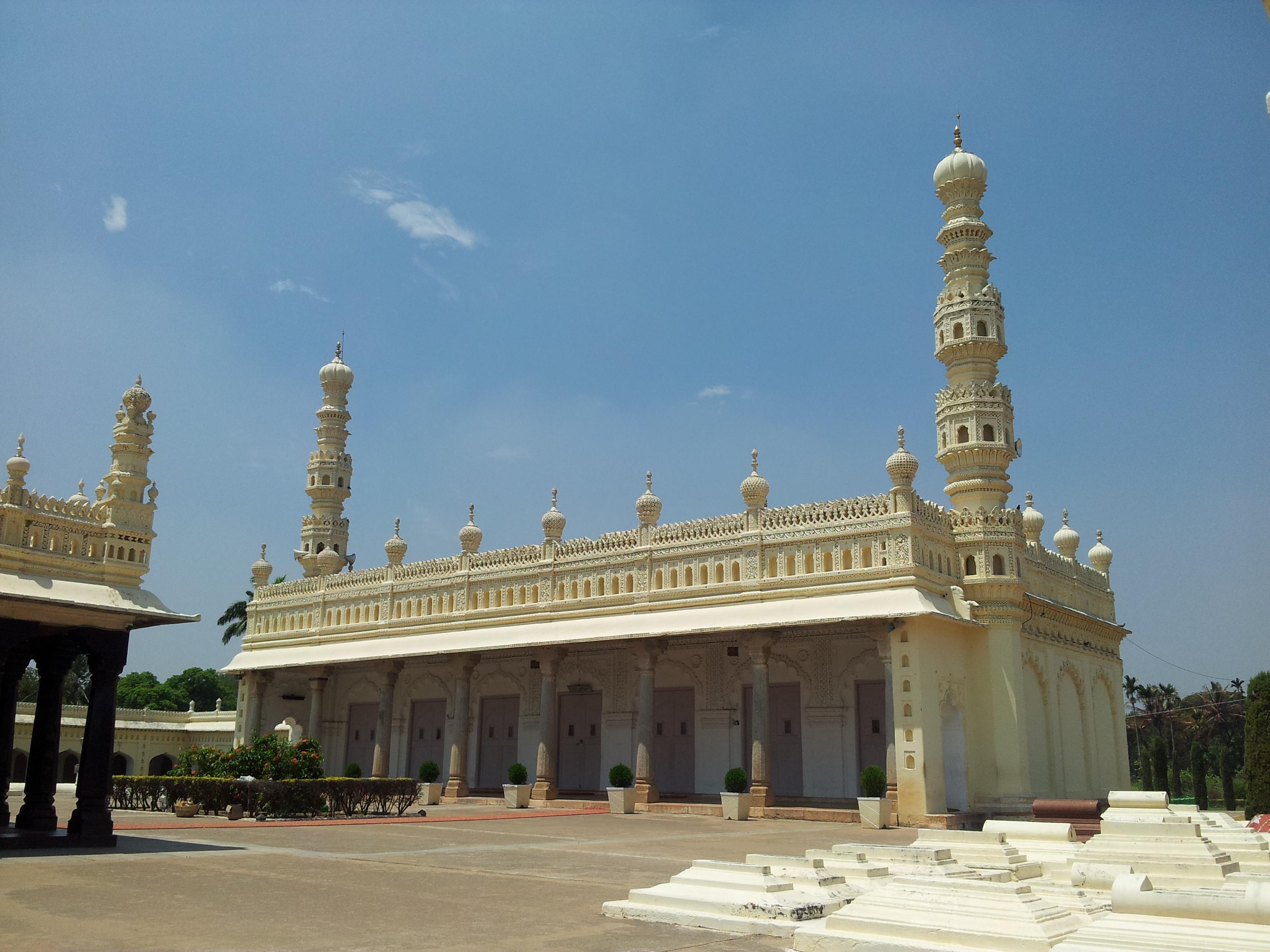 Masjid-E-Aksa - front view